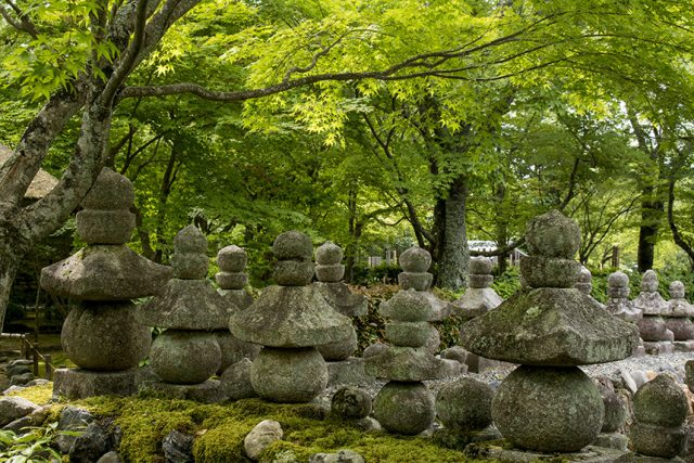 石仏群に圧倒される化野念仏寺