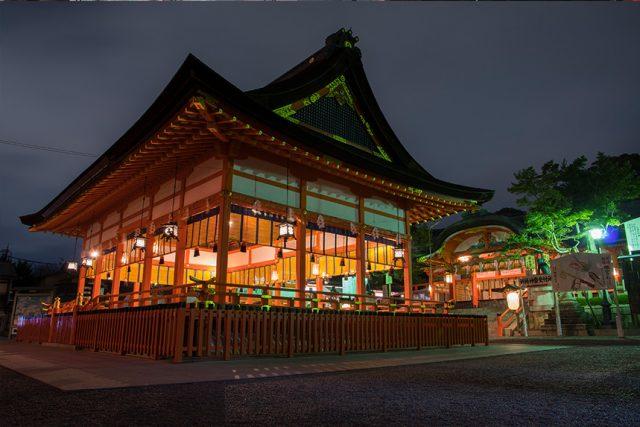 京都で一番人気の観光スポット・伏見稲荷大社