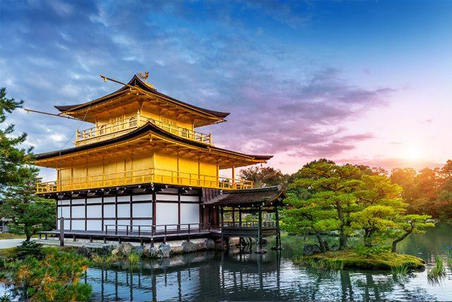 金閣寺 ~豪華絢爛な楼閣と金の鳳凰~