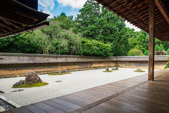 龍安寺 ~室町時代創建・石庭と枯山水の方丈庭園~